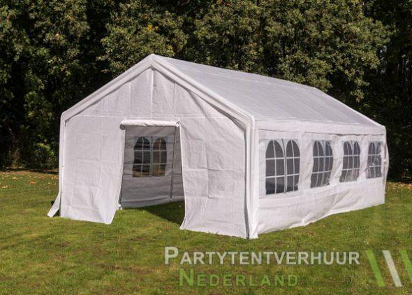 Partytent 4x8 meter voorkant schuin met deur huren - Partytentverhuur Roosendaal